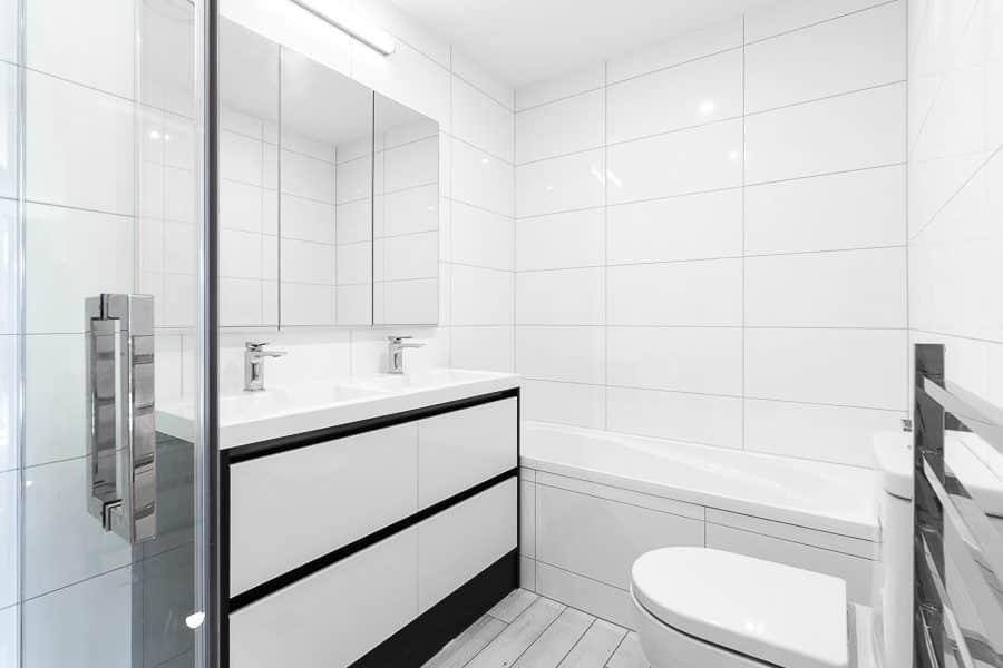 Orewa Grand Apartments - Refurbished Bathroom